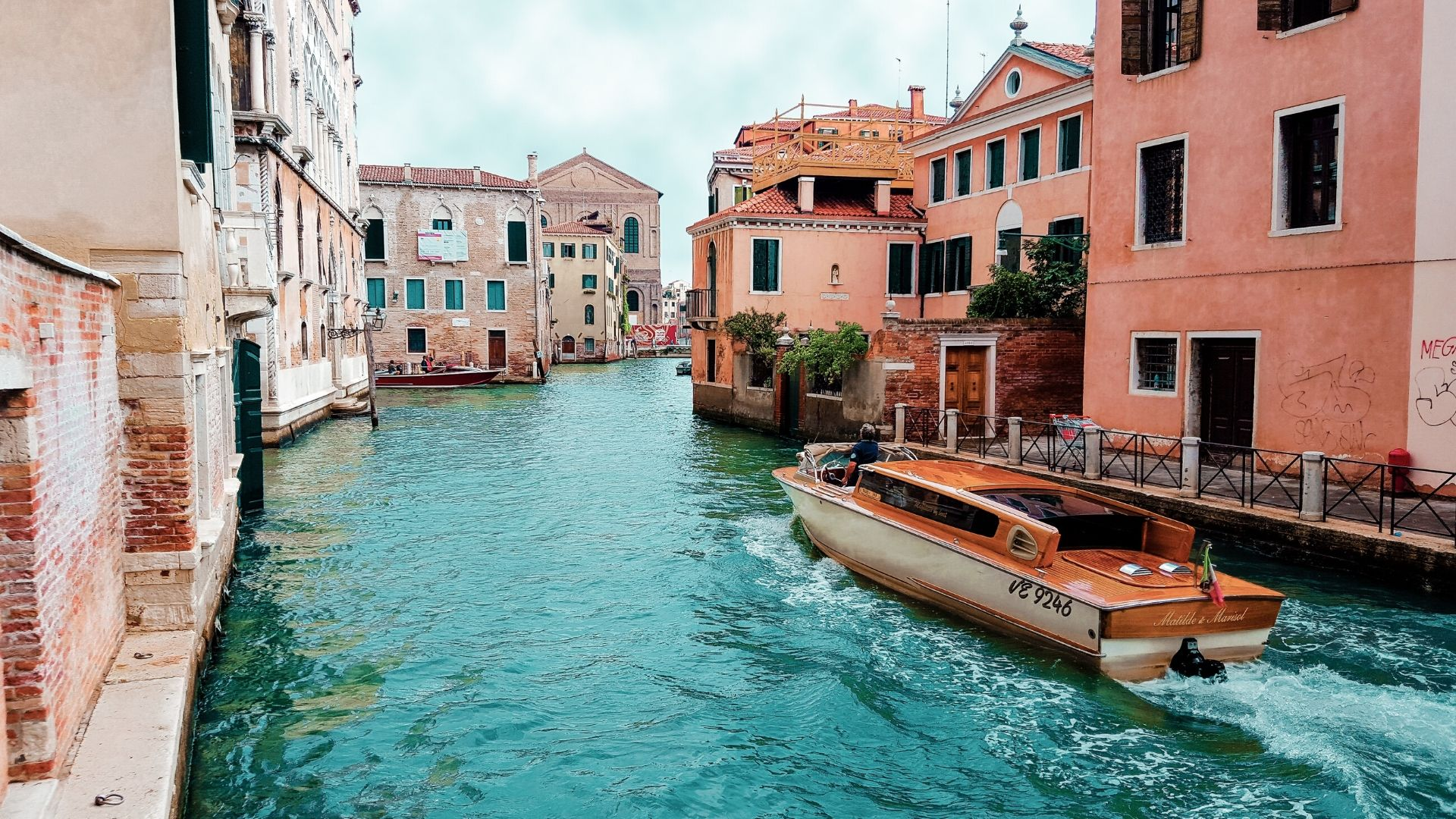 Venice islands tour and local dishes